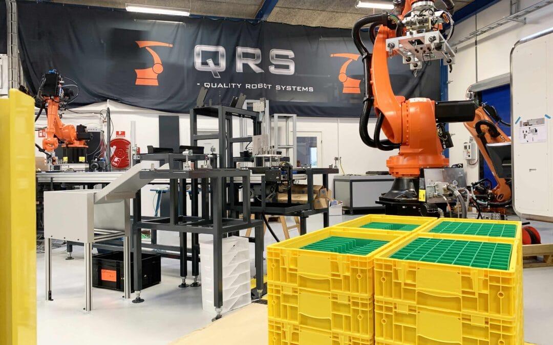 11 forskellige emnetyper bearbejdes, vaskes og pakkes i dette produktionsanlæg.