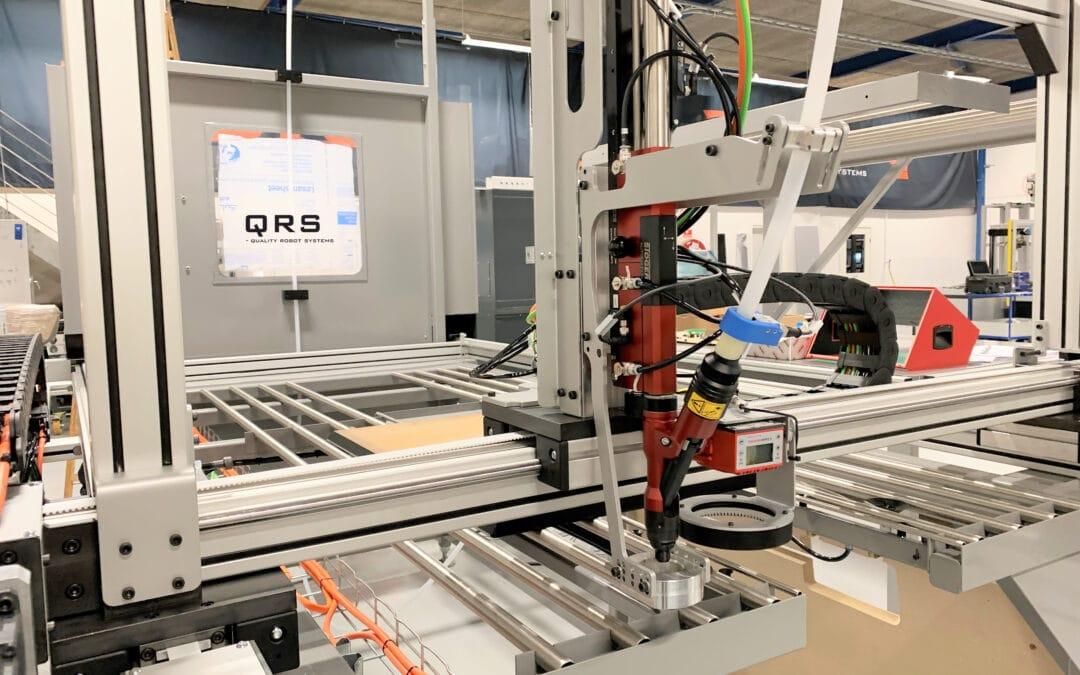 Automatiseret skruemaskine skåner medarbejderne